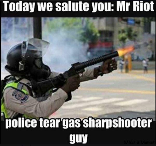 Tear gas sharpshooter