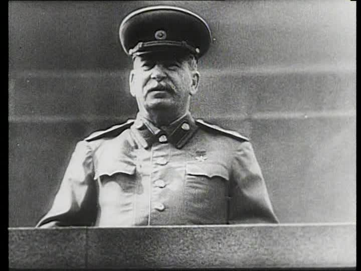 799595791-lying-in-repose-josef-stalin-mausoleum-red-square