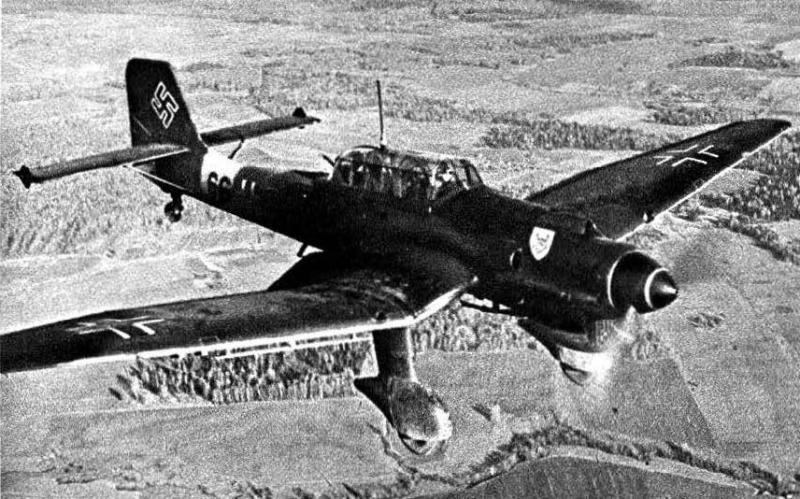 1-Ju-87B-II.StG1-(6G+)-over-eastern-front-Allen-Gewalten-zum-Trotz-Page-18